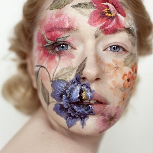 PHOTO BY ANDREA HUBNER; MAKE-UP BY EVA GERHOLDT