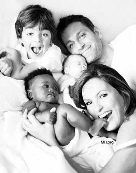 MARISKA & PETER WITH THEIR KIDS AUGUST, ANDREW & AMAYA